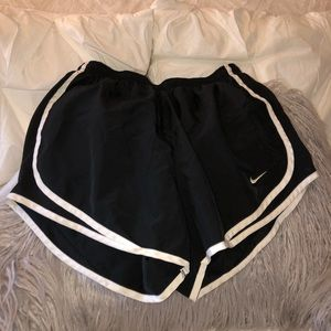 Women Nike shorts size Medium